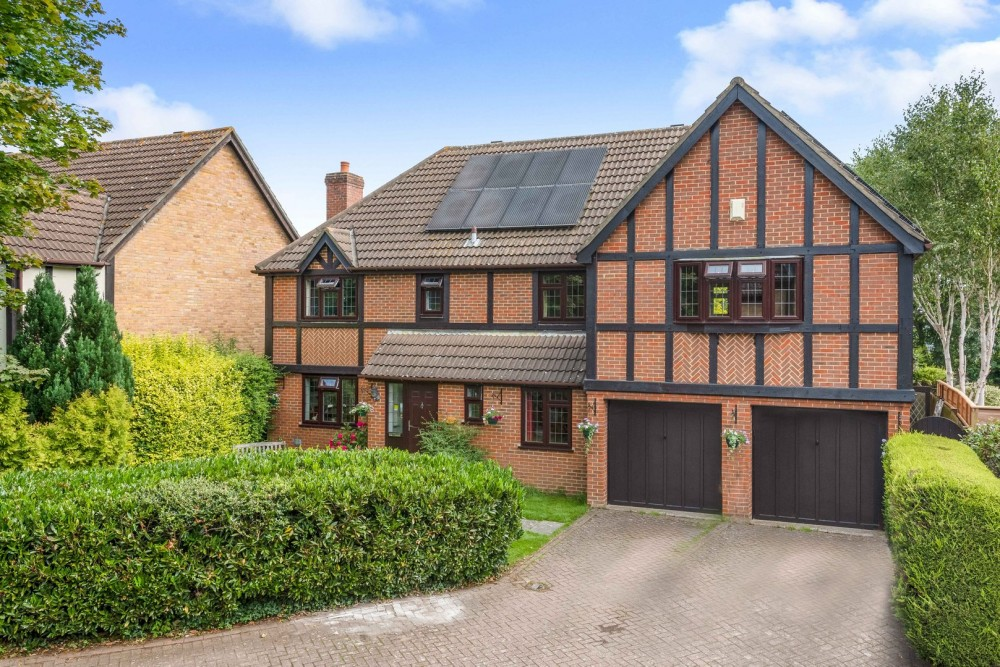 View Full Details for Chatsworth Close, West Wickham, Kent