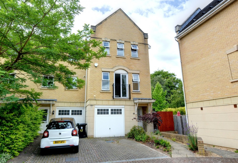View Full Details for Sparkes Close, Bromley, Kent